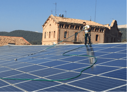Cases of Success – Solar Panel Cleaning – Performance Optimization